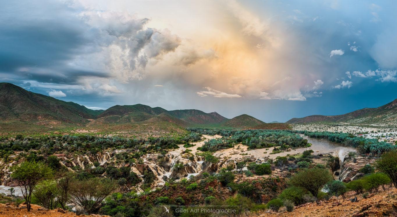 Ciel d'orage au dessus des Epupa falls
