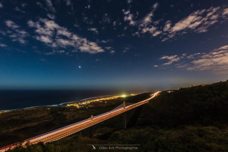 La route des tamarins sous les étoiles