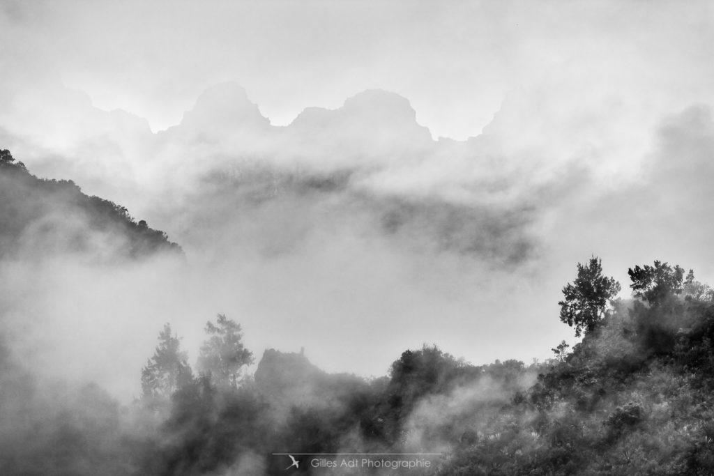 Salazie sous les nuages
